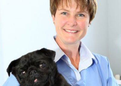 vet_nurse_with_pug